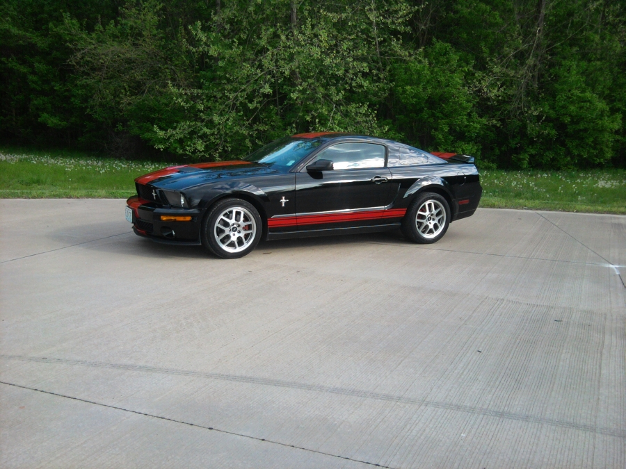 Here is a fine example of a 2007 Ford Mustang! The PMC Super Tuners mechanic performed a used car consultation in Affton, Missouri.  This mobile auto repair company offers professional consultations on used cars anywhere in St. Louis or St. Charles, MO.