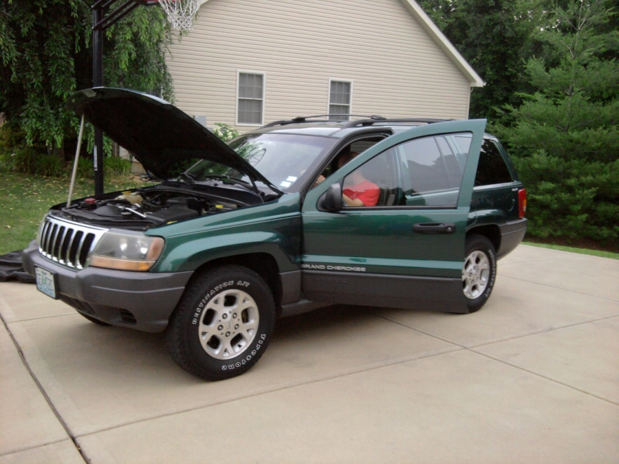 In the market to buy a used car?  Here is a 1999 Jeep Grand Cherokee Laredo that we performed a Used Car Consultation on for a customer.  Based on the information provided by the technician, the customer decided to buy the vehicle.  Just think?  Your own mechanic/technician consulting with you before you make a large purchase on a car or truck!